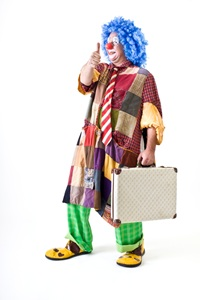 Blog-Clown-with-Suitcase
